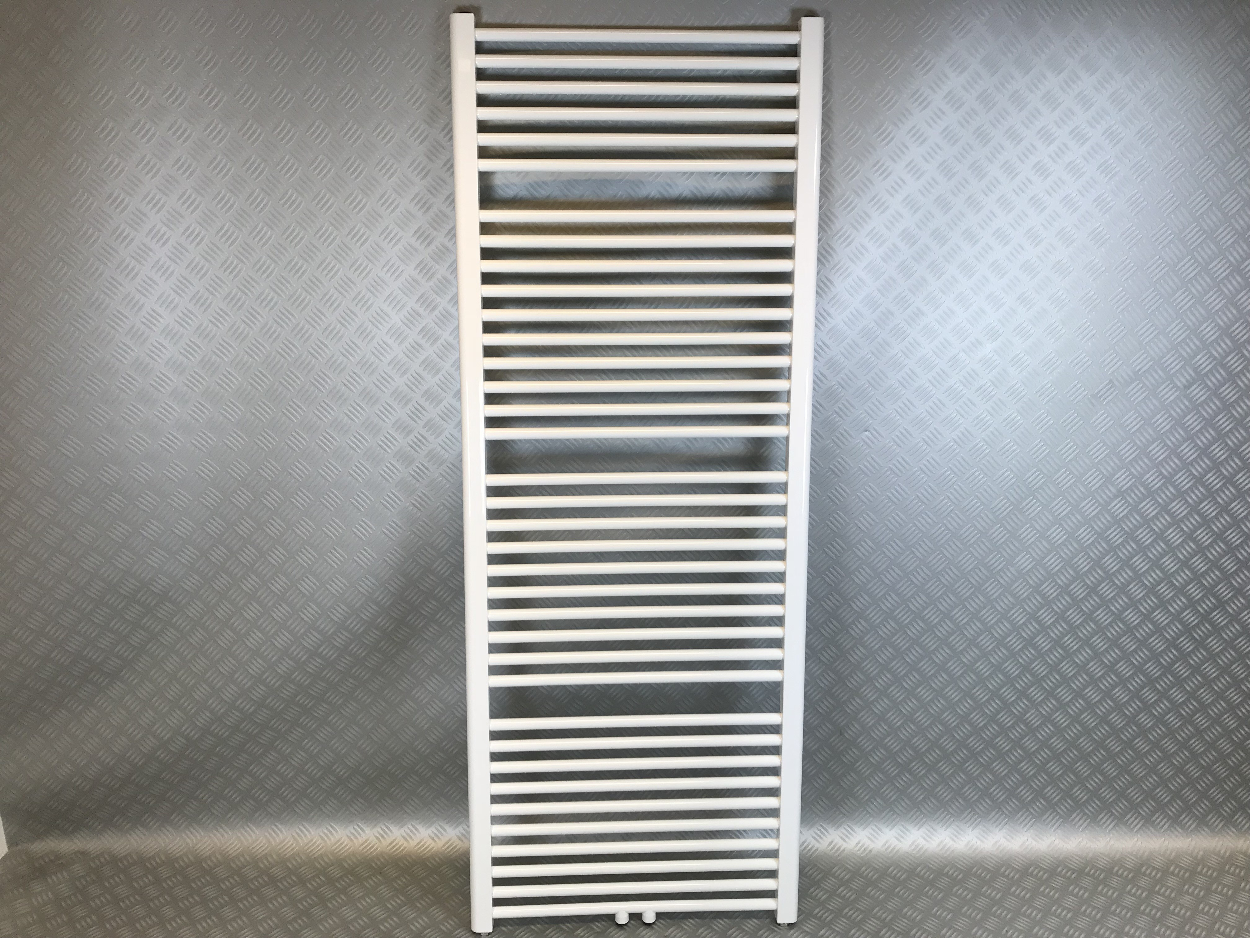 Badkamer design radiator breed hoog
